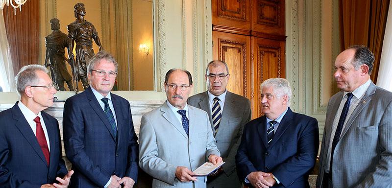 Governador Ivo Sartori Recebe Convite Para O XI Encontro Notarial E Registral Do RS